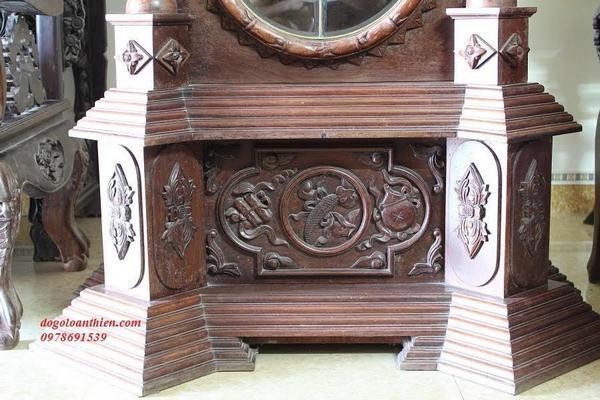 Đồng hồ tủ đứng của Đức