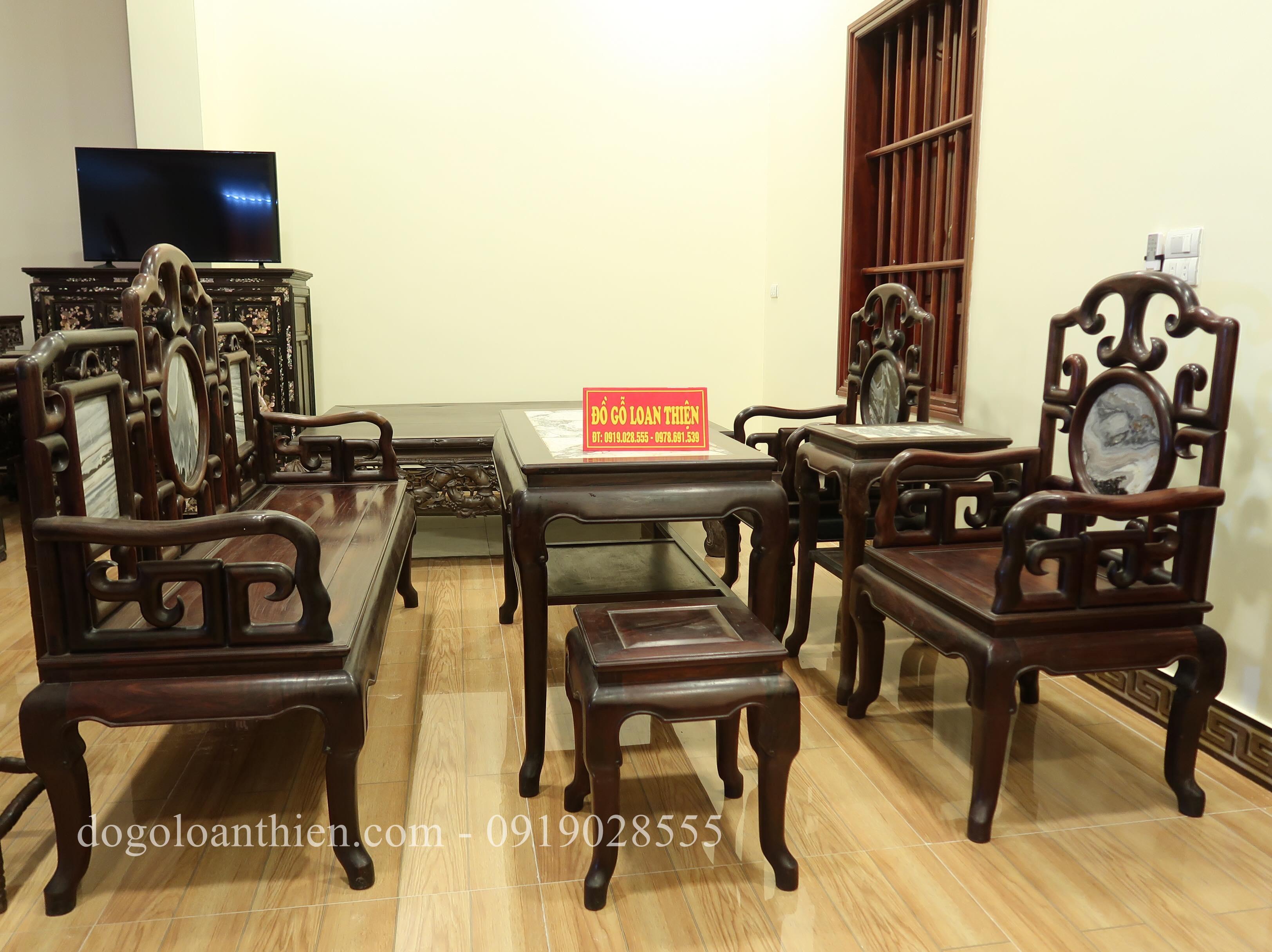 Bộ bàn ghế móc mỏ gỗ trắc, tinh tế và sang trọng