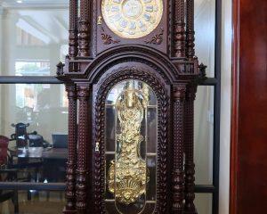 Đồng hồ mạ vàng